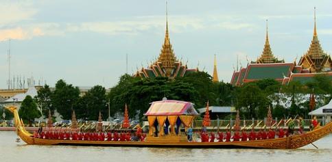 royal-barge-procession-photo-by-frans-vanderlee.jpg