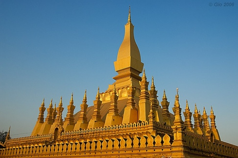 pha-that-luang-great-stupa-photo-by-gios-gallery.jpg
