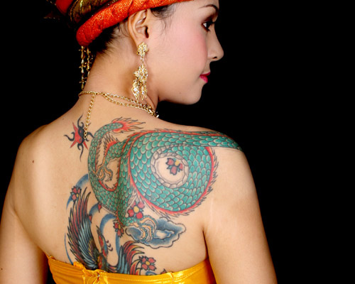 Back Body Girls With Green Dragon Tattoo Design