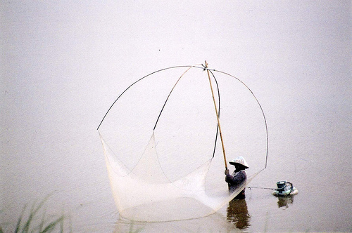 The fisherman Laos, photo by Mandalaybus