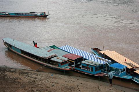 lao boats