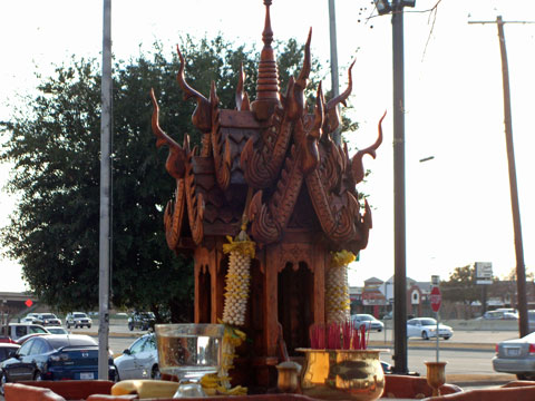 Spirit House at Zenna Thai & Japanese Restaurant, photo by Dallas