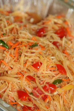 Tum Maak Houng, aka Spicy papaya salad